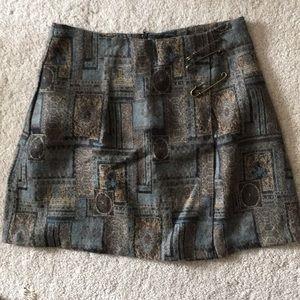 Cute, warm patterned skirt